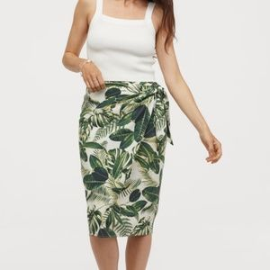 NWOT H&M Draped Wrap Front Skirt